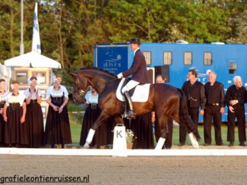 horsesbythesea20052